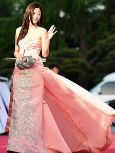 Jeon Ji-Hyun is among the best dressed celebrities at the red carpet at the 50th Baeksang Arts Awards in Seoul, South Korea on Tuesday May 27, 2014.