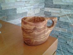 Tazza in legno di ulivo fatta a mano