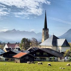 Dörfliche Idylle in Garmisch-Partenkirchen an einem schönen Herbstnachmittag [31/10/13]   translation: ideal village view in Garmisch-Partenkirchen on a beautiful autumn afternoon