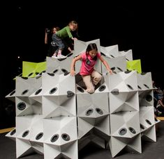 The Geometry Playground by San Francisco's Exploratorium - Entertainment Designer Interactive Architecture, Interactive Installation, Interactive Design, Atelier Architecture, Geometry Architecture, Kids Play Equipment, Outdoor Play Spaces, Playroom Furniture, Design Museum