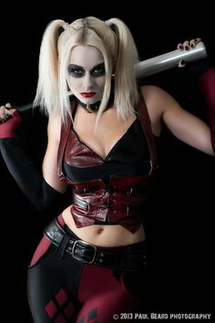 Harley Quinn - THIS is my next halloween outfit!!! But I'd color my hair black/red too