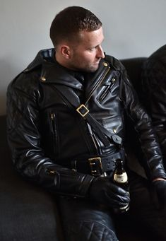 """tightglovesseattle: """""""" Great example of The Breeches and Leather Uniform Fan Club (BLUF) Chicago dress code. Wear your leather and join us at our next strict dress code social: Saturday each month. Mens Leather Pants, Biker Leather, Leather Gloves, Leather Jackets, Jeans En Cuir, Leder Outfits, Men In Uniform, Mens Gloves, Hairy Men"""