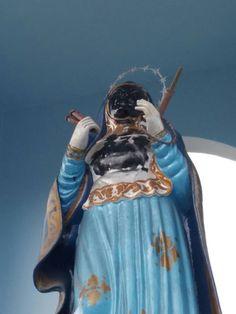 Blog do Oge: RELIGIÃO: Vândalos arrombaram igreja e picharam im...