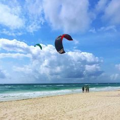 It's Monday but it's OK... We have wind  #motivation #motivationmonday #mexicancaribbeankitesurf #kite #kitesurf #kitetulum #kitemexico #kitelessonstulum #kiteschool #kiteschooltulum #kiteboarding #bwsurf #noisepro #caribbean #tulum #tulummexico #tulumactivities #thingstodointulum #wateraddict #watersports #enjoylife #goodmorning #letshavesomefun