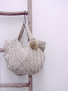 I love accessories with sweater motifs.