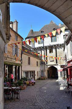 Semur-en-Auxois - Porte Sauvigny | Burgundy