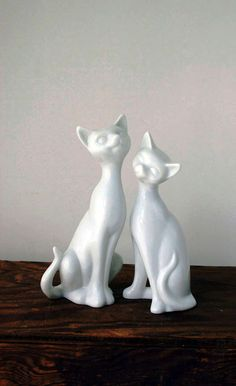 Japanese vintage white cats by arrowtruevintage on Etsy, $24.00