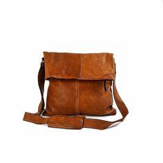 Beautiful Handbags, Beautiful Bags, Mens Crossbody Bag, Big Tote Bags, Another A, Big Purses, Everyday Bag, Shoulder Pads, Comfort Style