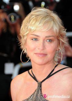 Die 21 Besten Bilder Von Sharon Stone Kurzhaarfrisur Sharon Stone