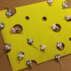 Takie piękne myszki zrobiła moja koleżanka Sylwia z dziećmi z drugiej klasy #myszki #klamerki #filc #serek #kidscrafts #craftsforkids #ktotammieszka ?