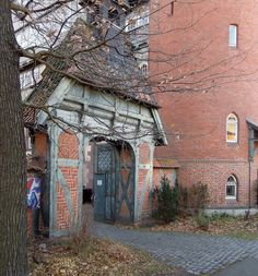HANNOVER List, historischer Torbogen am Lister Turm