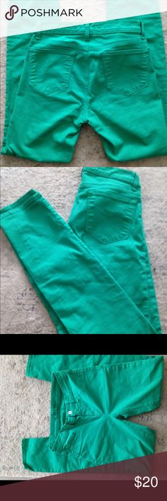 J Brand emerald green skinny jeans 26 Great condition skinnies by J Brand. Size 26. Perfect except teeny tiny spot. J Brand Jeans Skinny