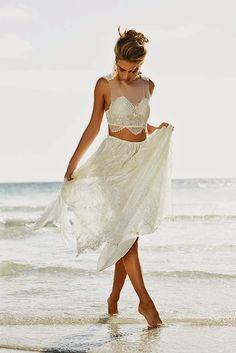 Cropped dress + beach wedding = BRILLIANT!