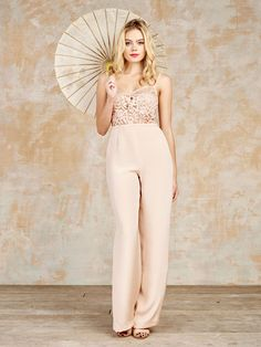 Even before Solange Knowles looked incredible at her 2014 wedding, jumpsuits have been filtering through to bridal fashion in a major way. Dresses aren't for every one, so why should you be expected to don a bright, white frock just because you're walking down the aisle? For the babe who is looking for something really different, a jumpsuit may well be just what you've been searching for!