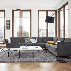 Outstandingly comfortable and elegant. That's one way to describe the Osaka sofa. But it's much more than that. Look a little closer and you'll find a spectacular display of details. Can you spot them? #BoConcept #sofa #danishdesign #livingroom