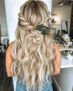 bohemian wedding hair Beautiful Half up Half down Wedding Hairstyle Ideas,braided half up half down hairstyles,boho wedding hairstyles,bohemian wedding hairstyles, textured updo wedding hair Half Up Wedding Hair, Bohemian Wedding Hair, Wedding Hairstyles Half Up Half Down, Wedding Hair And Makeup, Down Hairstyles, Prom Hairstyles, Easy Hairstyles, Hair Makeup, Ombre Rose Gold