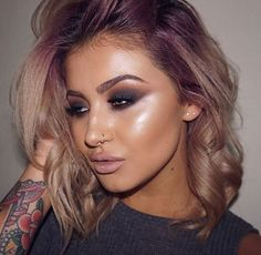 From unicorn tresses to ombre and balayage, vibrant hair shades have truly taken their spotlight in the beauty scene and it doesn't looks like they'll be going anywhere anytime soon. Skin Makeup, Beauty Makeup, Hair Beauty, Makeup Tips, 2018 Hair Color Trends, Hair Color Shades, Painted Ladies, Gorgeous Makeup, Gorgeous Hair