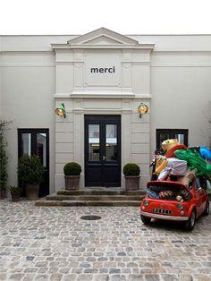 must to visit in PARIS!