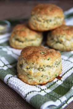 Cheese and Chive Sourdough Biscuits - soft and flaky biscuit recipe that uses sour dough starter (or butter milk) with cheese and chives. These are perfect to serve as a side for Holiday dinners.