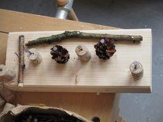 Hammer, Nägel und ein Brett!!! Die Kinder haben ganz viel Fantasie und Kreativität