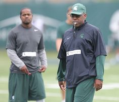 Harlon Barnett is back again with Michigan State football, and he is sharing the defensive backfield coaching duties with Mike Tressel. Msu Basketball, Football Heads, Michigan State Football, College Football Playoff, Best Football Players, Football Program, Colleges In Michigan, Defensive Back