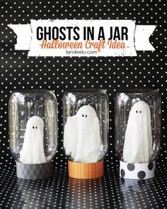 EASY TUTORIAL - Halloween Craft: Ghosts In A Jar - Aren't they so cute?  It's like you caught a ghost and am keeping it in jar like you might a bug.  Nevermind that ghosts can go through walls. Apparently they can't get through mason jars.  Mason jars are kinda magical so just go with me on this…  landeelu.com