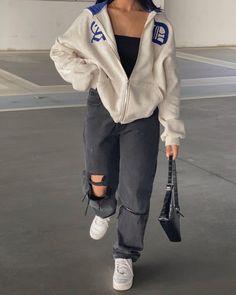 Fashion Mode, Tomboy Fashion, Teen Fashion Outfits, Mode Outfits, Retro Outfits, Look Fashion, Streetwear Fashion, Vest Outfits, Trendy Fashion