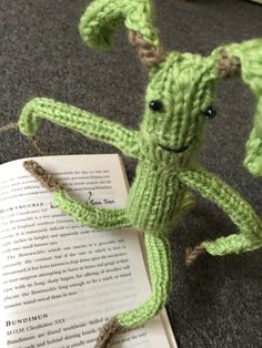 """23 pages of knitting patterns inspired by """"Fantastic Beasts and Where to Find Them"""" including the Bowtruckle, Niffler and Demiguise!"""