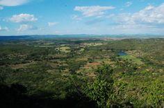 Colina do Horto. O Geossítio Colina do Horto está a 3km da cidade de Juazeiro do Norte.