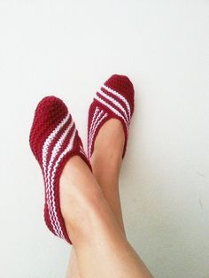 Items similar to Claret red Healthy Booties Home slippers Dance classic yoga sexy hygienic light Naturel yoga,socks,halloween on Etsy Knitted Slippers, Slipper Socks, Crochet Slippers, Knit Crochet, Yoga Socks, Bare Foot Sandals, Knitting Socks, Collections, Crafts