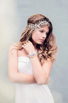 Scheherazade bridal headpiece by Gadegaard Design, Photocredit: www.tinaliv.com. Model: Mira Elisa Obling