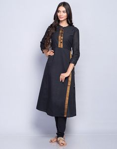 Simple Kurta Designs, Kurta Designs Women, Dress Neck Designs, Blouse Designs, Kurtha Designs, Kurta Cotton, Kurta Patterns, Churidar Designs, Kurta Neck Design