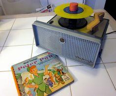 Disney PETER PAN 45 rpm Album on Yellow Vinyl - RCA Victor 45 rpm Phonograph by BudCat14/Ross, via Flickr