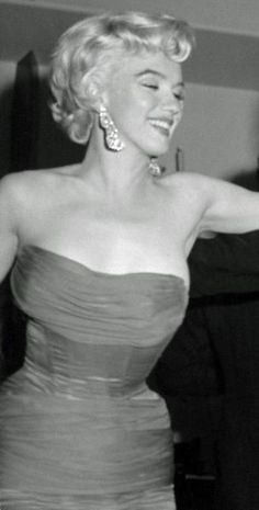 """""""It was wonderful being a girl but it's more wonderful being a woman."""" -Marilyn Monroe. ♥"""
