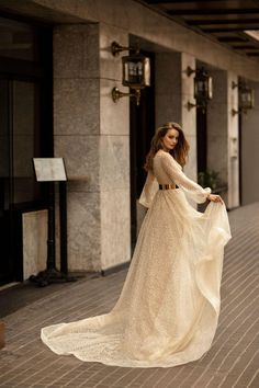Photo of wedding dress Wedding dress - Ricca Sposa bridal boutique Stylish Dresses, Elegant Dresses, Pretty Dresses, Beautiful Dresses, Fashion Dresses, Fashionable Outfits, Indian Gowns Dresses, Prom Dresses With Sleeves, Bridal Dresses