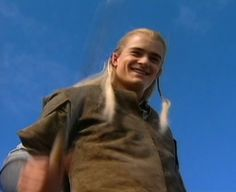 This is from the clip where he pretended to slice the camera in half. the smile! Legolas, Fellowship Of The Ring, Lord Of The Rings, Smile Gif, The Hobbit Movies, Maybe Someday, Orlando Bloom, Feeling Happy, Attractive Men