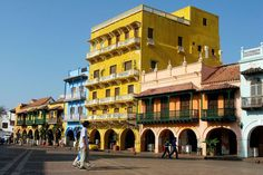 Image issue du site Web http://images.lpcdn.ca/641x427/200904/24/66385-couleurs-frappe-carthagene-ville-fortifiee.jpg