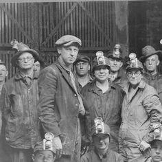 Mine personnel and visitors, Hecla mine near Mullan, 1927