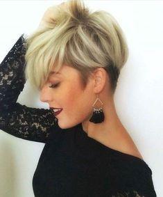 Dieser Look ist einer der angesagtesten Trends – Damen Frisuren The undercut! This look is one of the hippest trends of – Ladies Hairstyles – Short Hair Cuts, Short Hair Styles, Natural Hair Styles, Pixie Hairstyles, Cute Hairstyles, Ladies Hairstyles, Melena Bob, Cute Short Haircuts, Corte Y Color