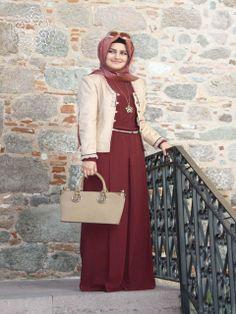 http://www.belginmoda.com/5001-08-Tulum,PR-2143.html Pınar Şems 5001-08 Tulum Kumaş  : % 70 Polyester                  % 30  Pamuk Manken : 38 Beden Ürün      : 38 Beden Desen   : Sade Renk     :  Bordo