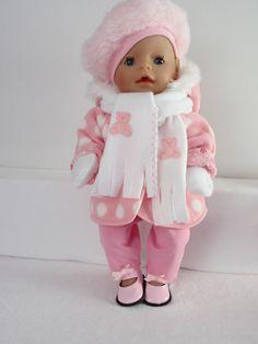 Een lief jasje voor Baby Born Girl Ga naar de website voor meer kleertjes www.rosalinpoppenmode.nl: