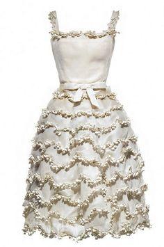 Robe Muguet S/S1957. Le muguet est la fleur favorite de Christian Dior.