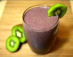 Mango/Kiwi Smoothie Recipe For Healthier Hair: 3 ounces nonfat vanilla Greek yogurt 1 cup baby spinach 1/2 cup frozen blueberries 1/2 cup frozen mango 1 kiwi, peeled 1/4 cup kidney beans 1/8 cup walnuts 1 teaspoon flaxmeal 3/4 cup cold water