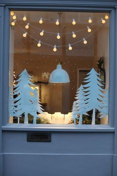 20 stunning window decorations for christmas christmas is here in fact i can count on the days before christmas and it just lust than a week - Diy Christmas Window Decorations