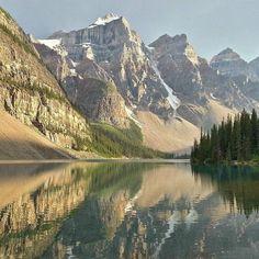Moraine Lake via @walasavagephoto