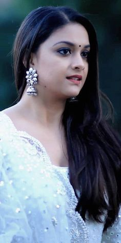 Keerthi Suresh Beautiful Eyes, Beautiful Women, Sai Pallavi Hd Images, Indian Natural Beauty, Most Beautiful Indian Actress, South Indian Actress, Cute Faces, India Beauty, Beauty Queens
