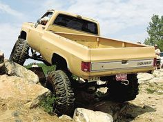 1987 Chevy - Flexed out axle Big Chevy Trucks, Classic Chevy Trucks, Gm Trucks, Jeep Truck, Chevrolet Trucks, Diesel Trucks, Lifted Trucks, Cool Trucks, Jeep 4x4