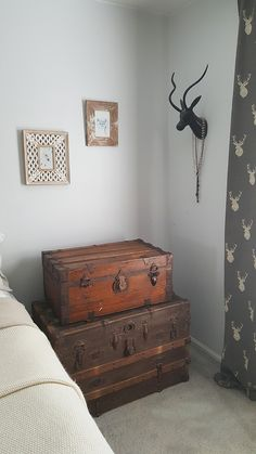 Vintage Steamer Trunk Nightstand - The Honeycomb Home Stacked steamer trunks double as a nightstand. Old Trunks, Vintage Trunks, Trunks And Chests, Antique Trunks, Country Decor, Farmhouse Decor, Vintage Steamer Trunk, Trunk Table, Vintage Luggage