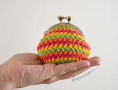 Monedero redondo con broche tejido a crochet en punto frijol!
