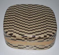 Malene Müllertz, Denmark. Box in stoneware.